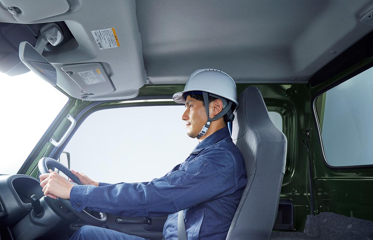 シートリクライニングは24°から、最大で40°(軽トラック最大)まで可能