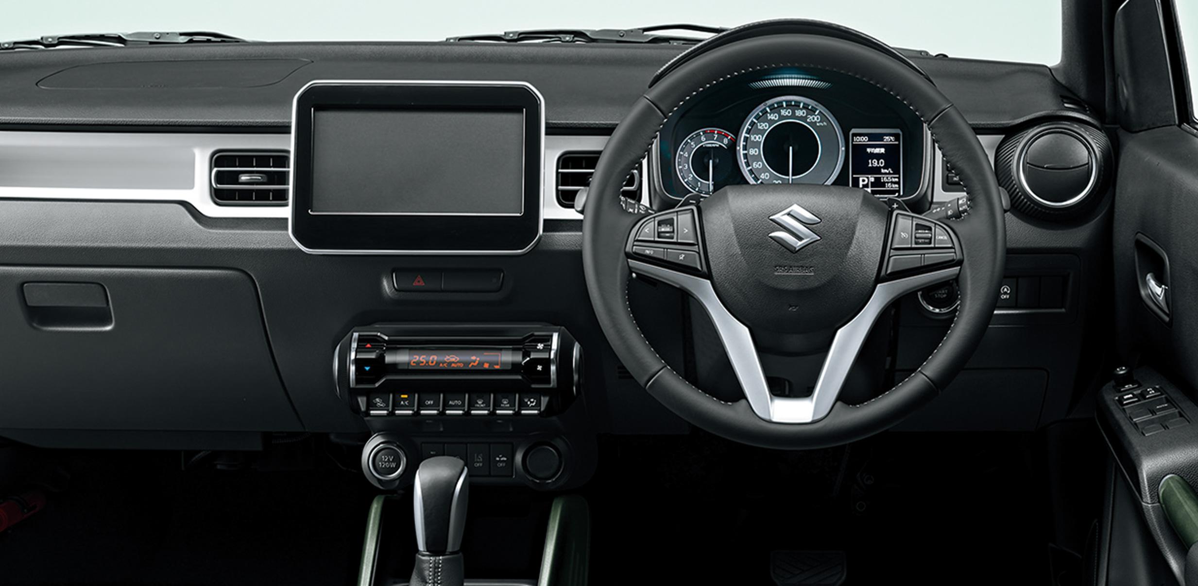 イグニスの内装(インテリア)真横から見た画像。HYBRID MZ 4WDセーフティパッケージ・全方位モニター用カメラパッケージ装着車。ボディーカラーはピュアホワイトパール