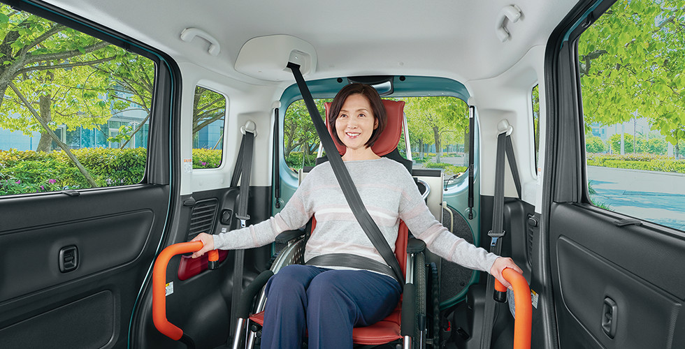安全性を高める3点式シートベルト